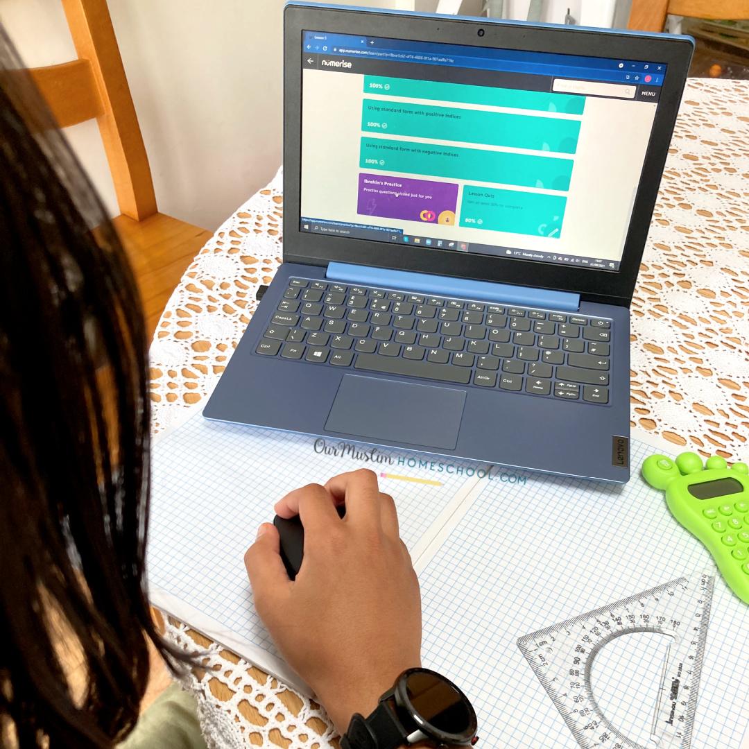 Online Maths GCSE courses image